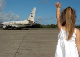 Пътуване със самолет на непълнолетни деца