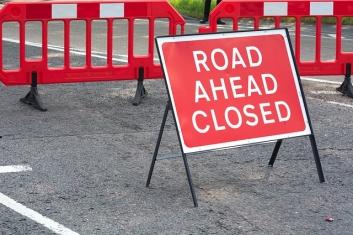 Пътуване с кола Road Ahead Closed Затворен път
